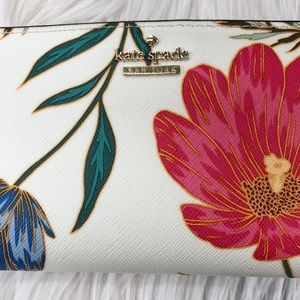 kate spade Bags - kate spade Blossom Lacey Wallet